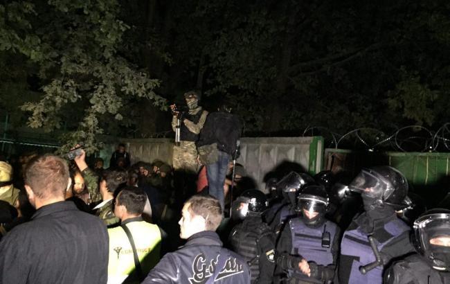 Фото: в Святошинском районе Киева ситуация стабилизирована