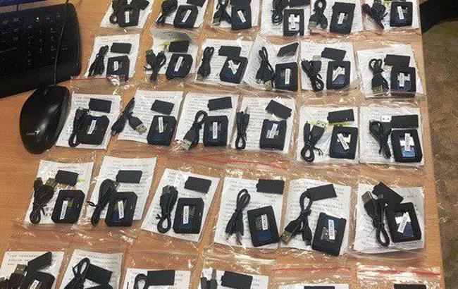У Черкасах викрили контрабанду приладів для прослуховування