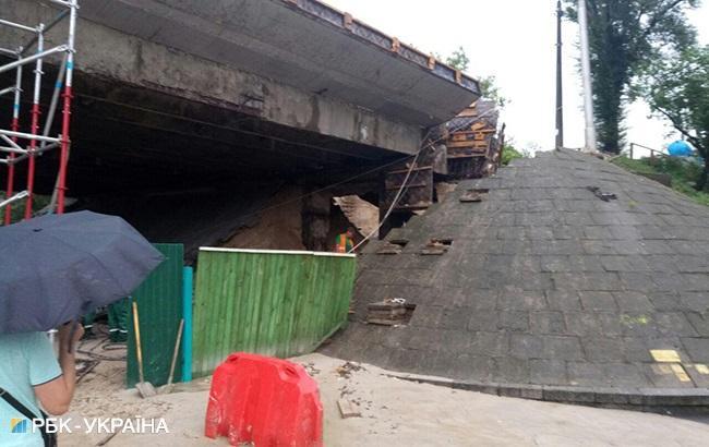 У Подільському районі Києва обвалився шляхопровід