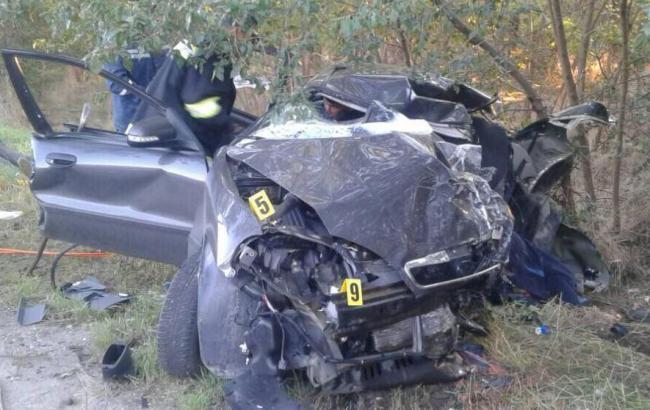 У Запорізькій області зіткнулися легковий автомобіль та мікроавтобус, загинули 4 людини