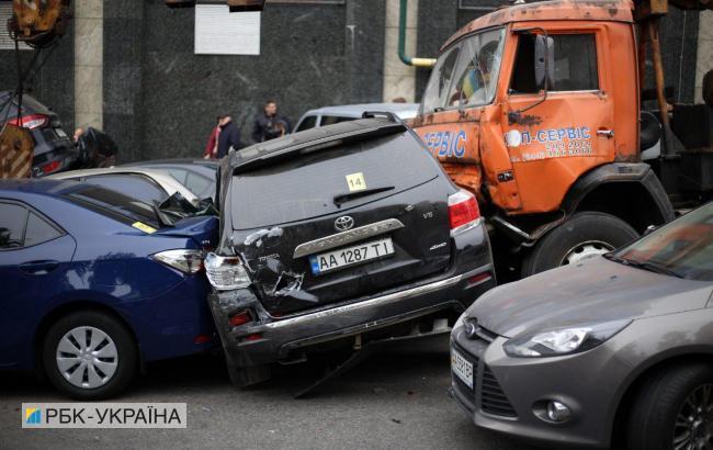 Фото: ДТП в Киеве (РБК-Украина)