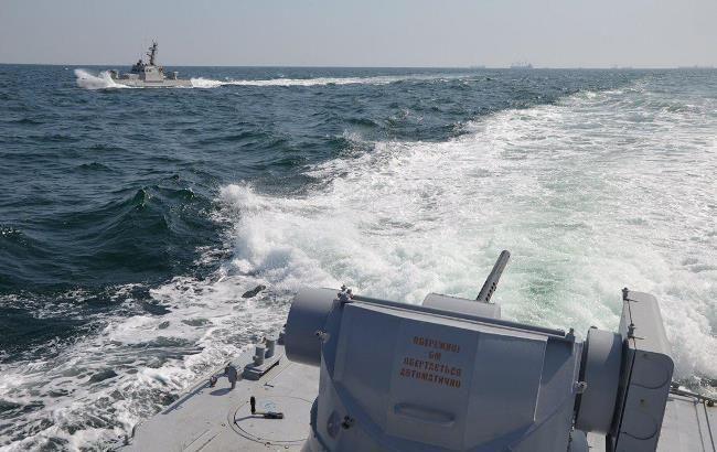 РФ отбуксировала захваченные украинские корабли в неизвестном направлении