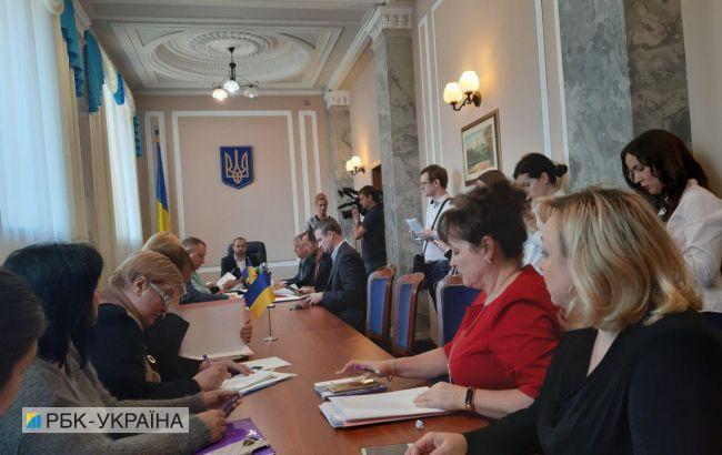 """Комітет почав розглядати постанови про скасування """"мовного закону"""""""