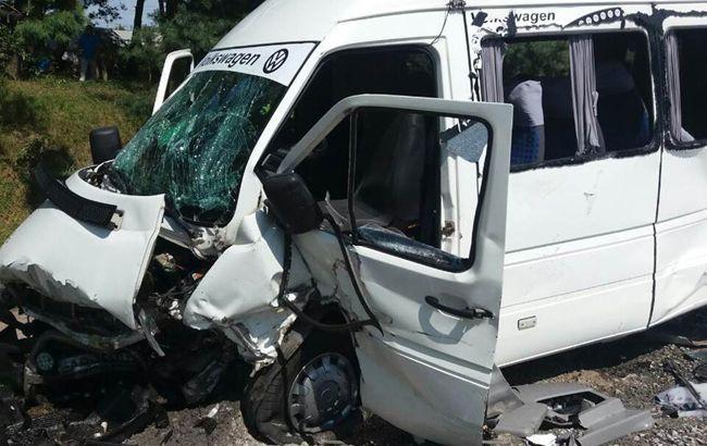 У Житомирській області в ДТП з маршруткою постраждали 24 осіб