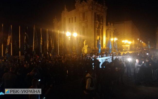 В центр Киева стянули силовиков из-за протестов под Офисом президента