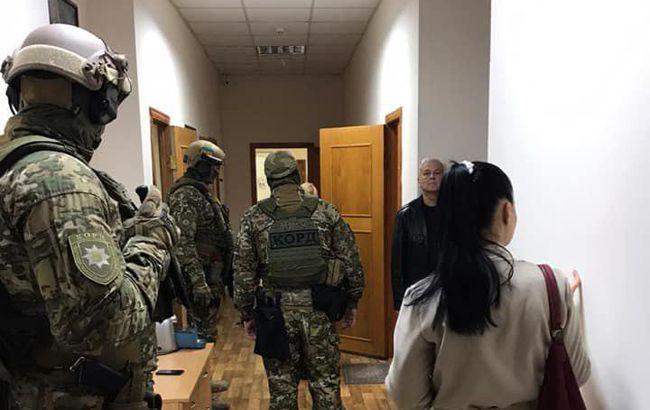 В Одессе проходят обыски в охранной фирме, которую подозревают в истязании детей