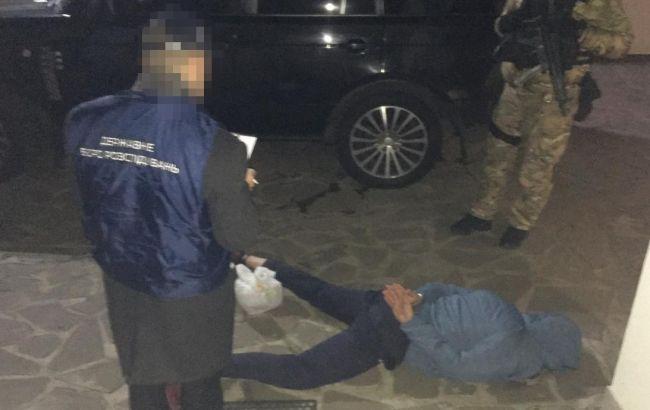 В Киеве полицейского задержали на вымогательстве 150 тыс. долларов