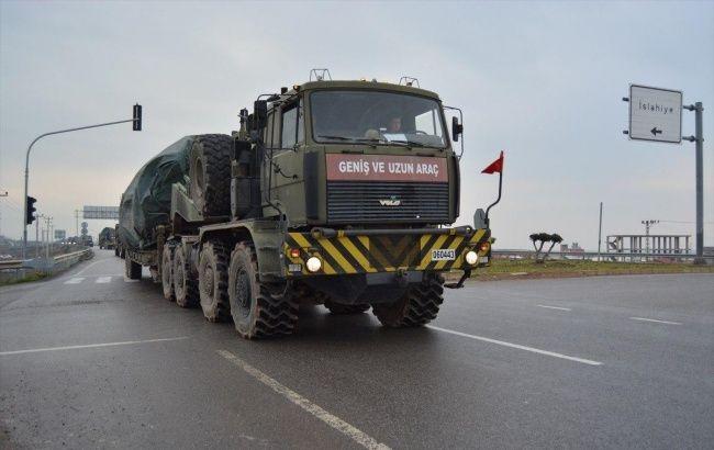 Туреччина перекинула в провінцію Ідліб десятки танків
