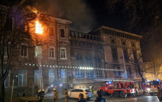 В Одесі горіла багатоповерхівка, евакуювали понад 40 осіб