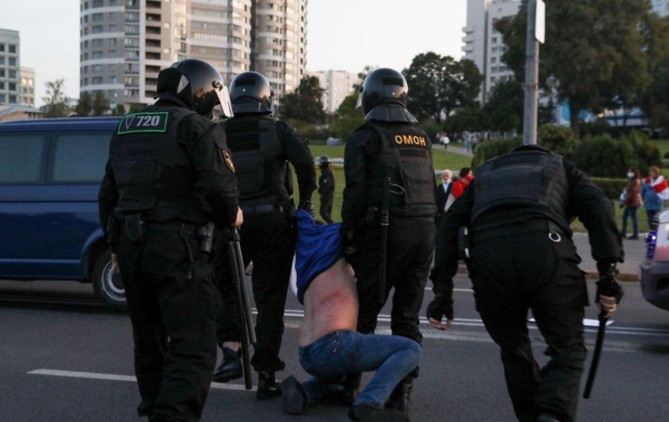 В Минске снова начались задержания, применили водомет