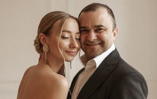 Сім'я Віктора Павліка чекає поповнення: дружина артиста показала нові фото