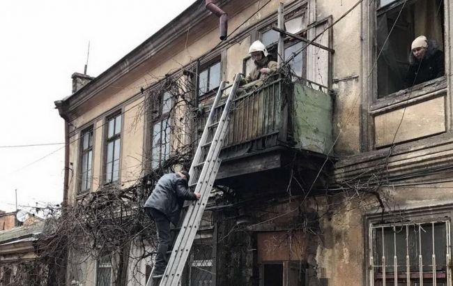 В Одессе произошло обрушение в двухэтажном доме, жильцов эвакуировали