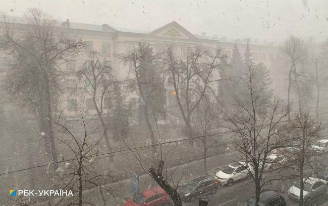 Киев накрыла метель: ситуация на дорогах