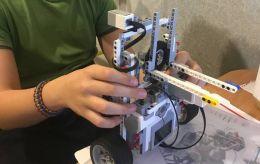 13-летний школьник из Киевасоздал устройство, которое помогает бороться с COVID-19 (видео)