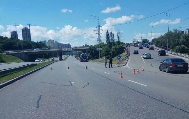 У Києві через витік газу перекрили Південний міст, рух обмежено