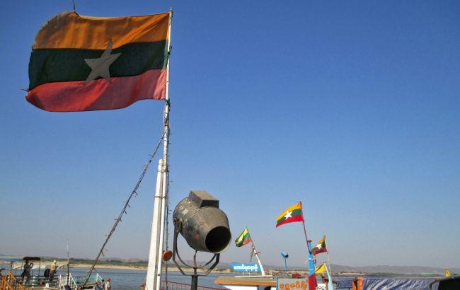 В Мьянме взорвалась бомба в пункте проверки на COVID, есть погибшие