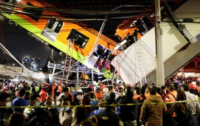 В Мехико рухнул метромост с поездом. Погибли минимум 13 человек