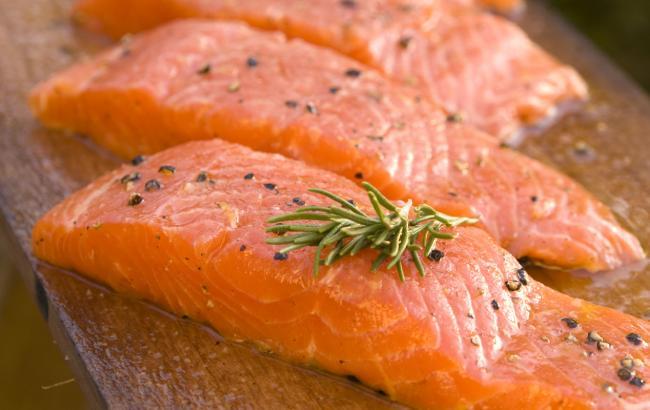 Фото: В лососе содержится много полезных жиров