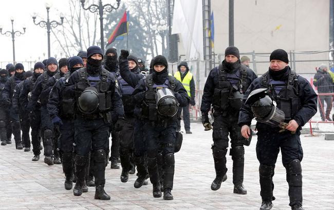 На митинге под Радой дежурит около 4 тыс. правоохранителей