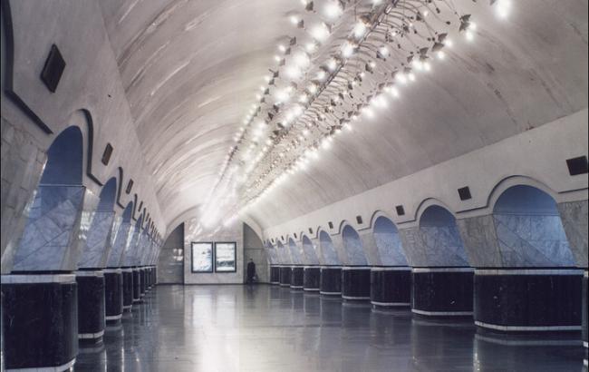 """Станция метро """"Лукьяновская"""" в Киеве закрыта из-за угрозы взрыва"""