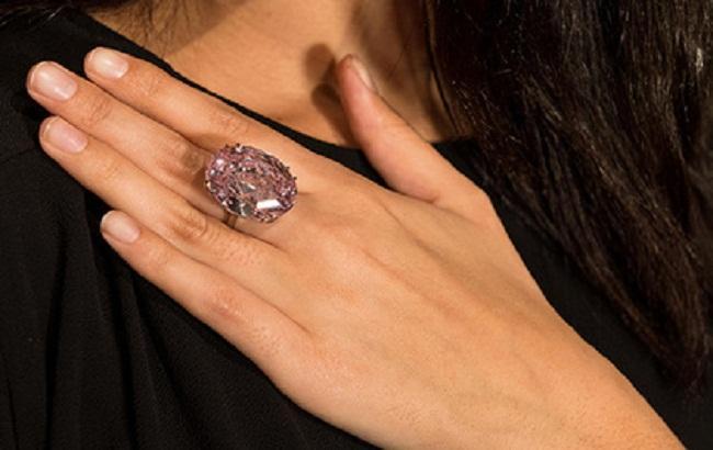 Фото: Розовый бриллиант
