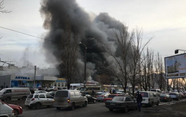 Фото: пожар на одесском рынке (
