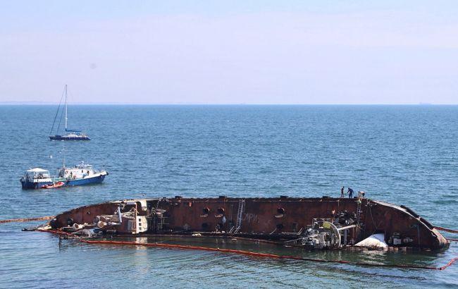 В Госэкоинспекции оценили убытки от затонувшего танкера в Одессе