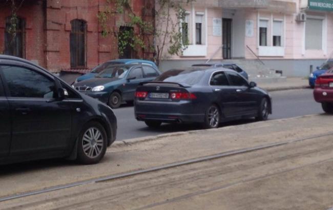 """Фото: нападники втекли на автомобілі Honda (""""Думська"""")"""