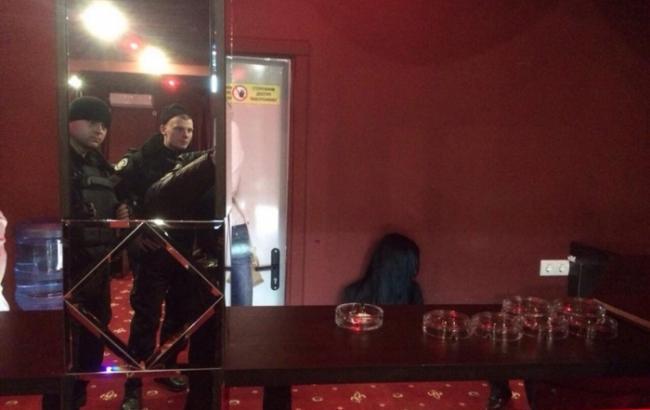 Бывшие милиционеры устроили стрельбу между собой вподпольном казино