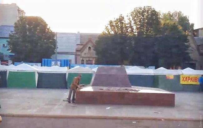 В Одеській області демонтували пам'ятник революціонеру Котовському