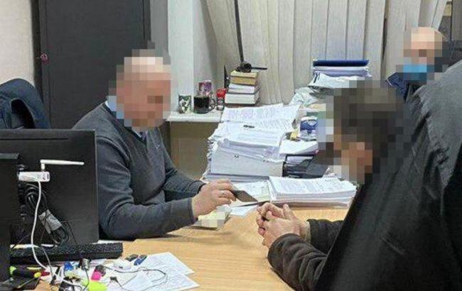 Мільйонні збитки: екс-першому заступнику голови Держгеонадр вручили підозру