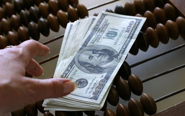 Гроші нарізно: міжнародна підтримка України не проявляється в інвестиціях