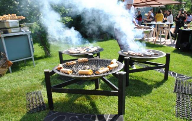 Фото: Киевляне считают, что у них нет мест для пикника (ex.ua)