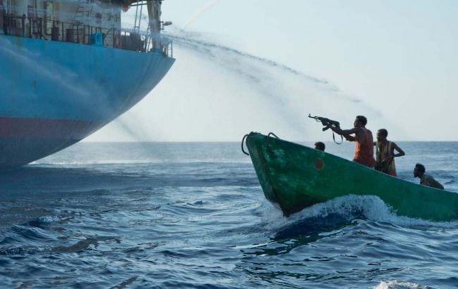 Шість українців опинилися у полоні у піратів, які захопили судно біля Нігерії