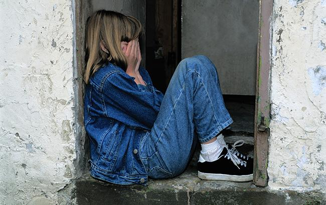 31 липня в Одесі між покинутим дитячим садком та 69-ю школою однокласники  неповнолітньої дівчинки побили її й викрали ... d0274368c9828