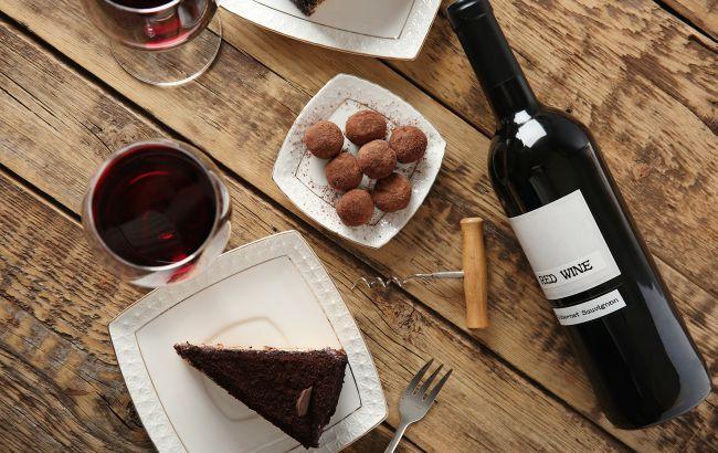 Самая эффективная звездная диета 2020 года: включает вино и шоколад
