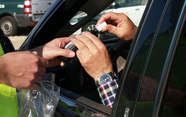 Водителей предупредили о новой хитрости полиции относительно осмотра на состояние опьянения: что важно знать