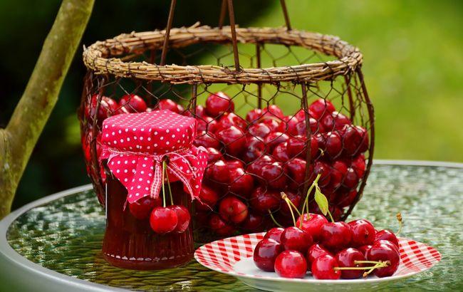 Вишня или черешня? Какая из этих ягод полезнее и почему