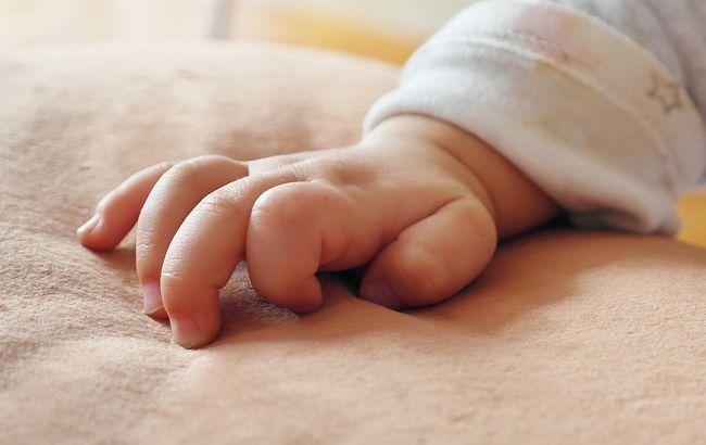 Школярка народила в туалеті та викинула дитину: деталі трагедії