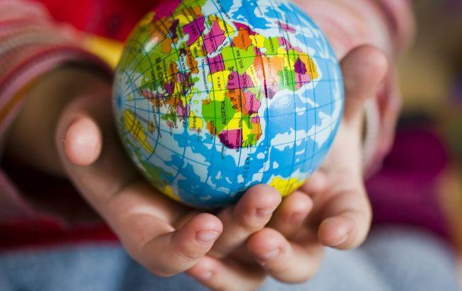 Назвав майже 200 країн світу: школяр зі Львівської області встановив рекорд України (фото)