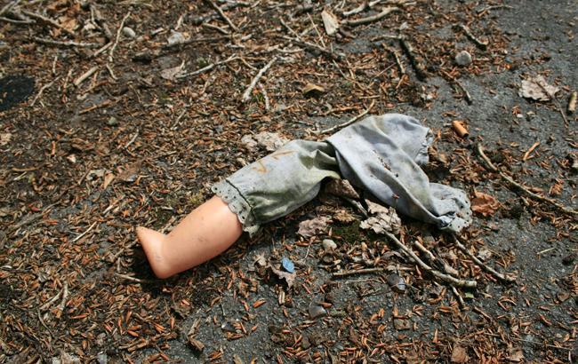 У Києві бездомний знайшов у пакеті мертве немовля: деталі інциденту (фото)