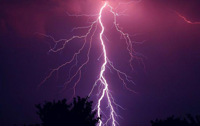 Дощі і грози: синоптики розповіли, в яких областях буде негода