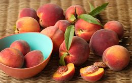 Вот что случится с вами, если ежедневно есть по персику