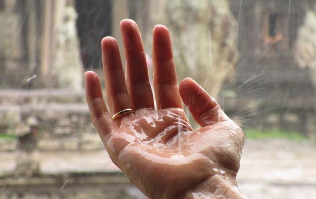 Дождевой фронт и жара: синоптики предупредили о резкой смене погоды