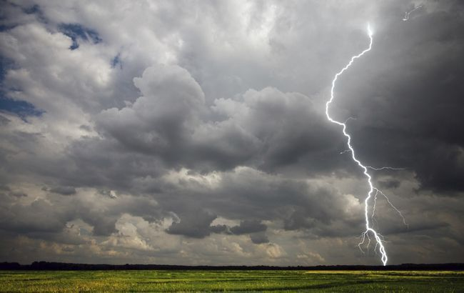 """Сильный ветер и """"снежная каша"""": в Украине объявлено штормовое предупреждение"""
