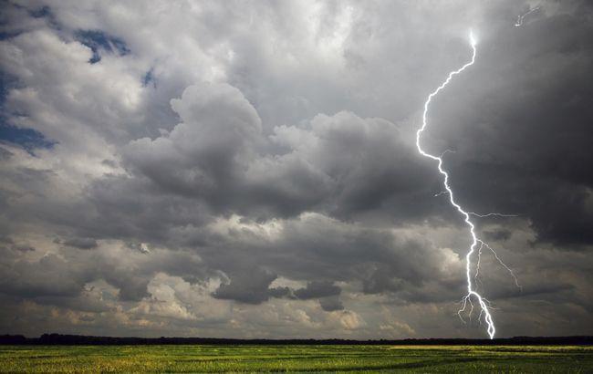 Синоптики объявили штормовое предупреждение в Киеве в ближайший час