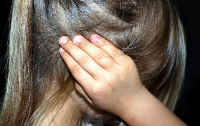 Під Дніпром нелюд зґвалтував 10-річну дівчинку, залишивши її помирати