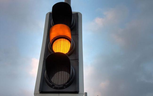 ВУкраинском государстве хотят отменить желтый знак светофора