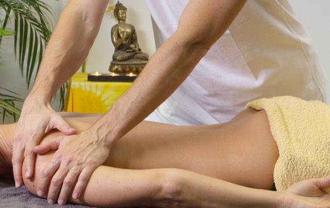 У Миколаєві масажист сексуально домагається і б'є жінок: у мережі обурюються
