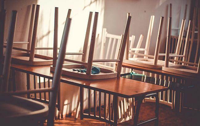 У Києві продовжують закривати школи на карантин